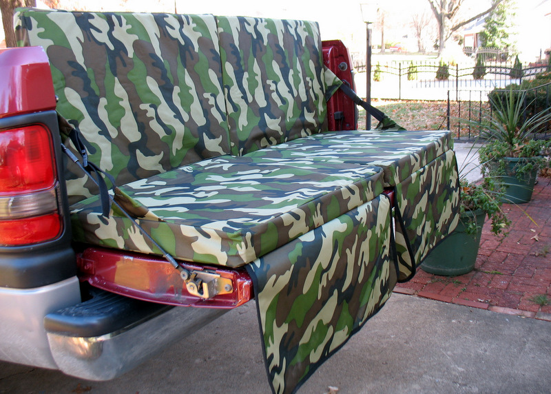 Tailgate Couch camo