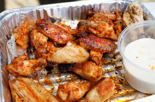 Tailgating wings
