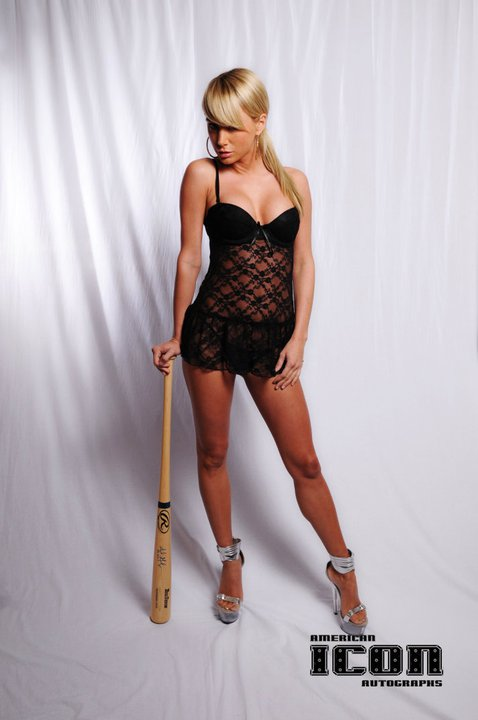 sara jean underwood baseball bat