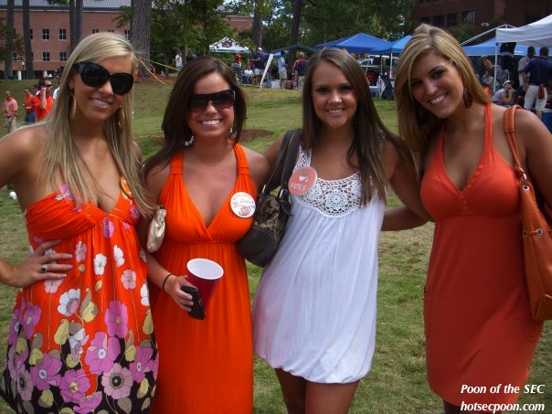 Tennessee Tailgating Girls