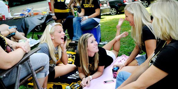 Missouri Girls Tailgating