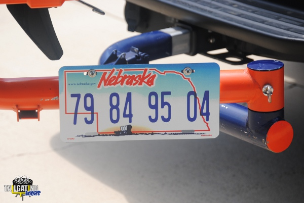 Titan Baseball swing arm tailgate tag